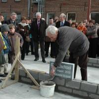 Eerste steenlegging nieuwe Ginsteschool door Etienne Galle